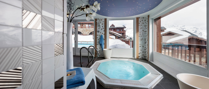 france_espace-killy-ski-area_tignes_village-montana-hotel_spa-area2.jpg